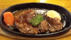ペンション「花さき山」のステーキ